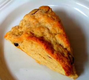 cran-orange scone with flax